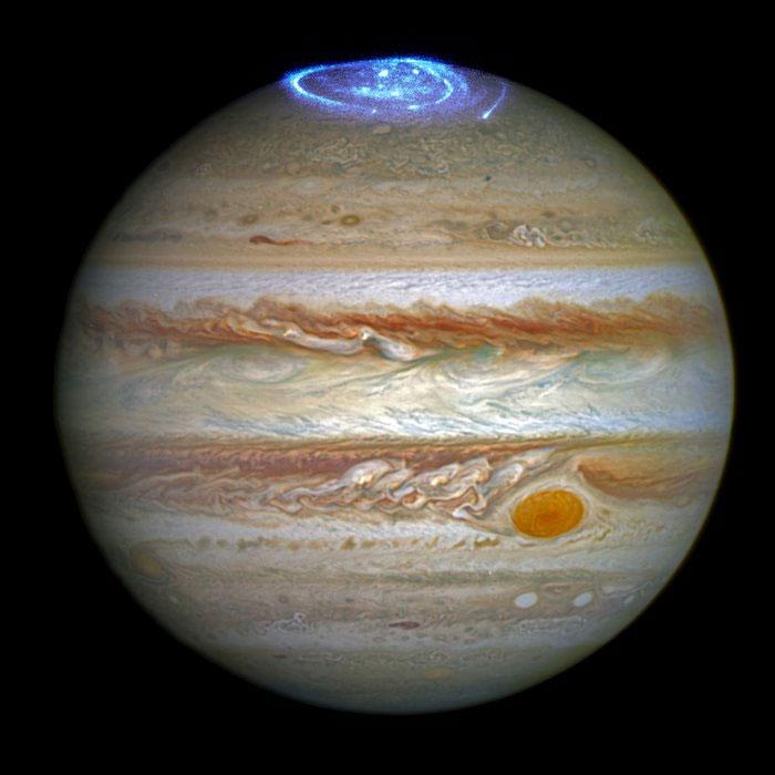 00jupiter_aurora1.jpg